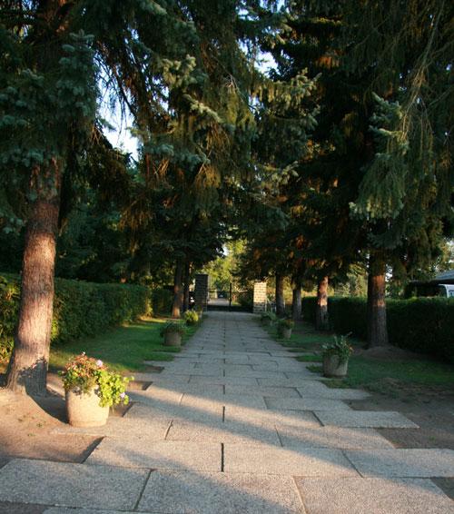 Neuer-Friedhof-Naunhof-Ausgangsweg1