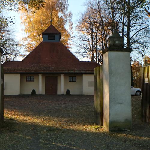 Einfahrt-Friedhof_1