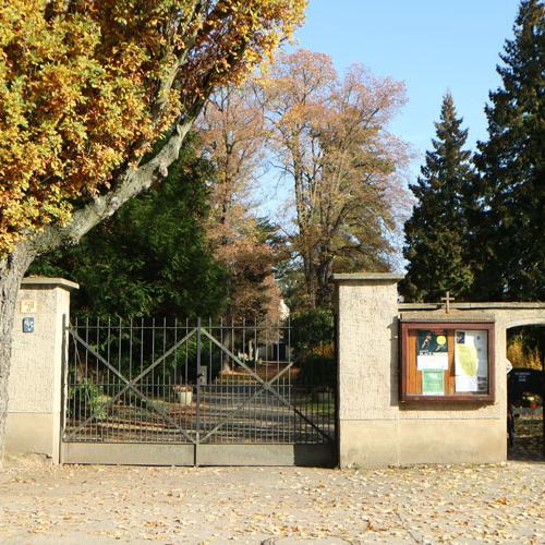 Eingang-alter-Friedhof-Naunhof_1