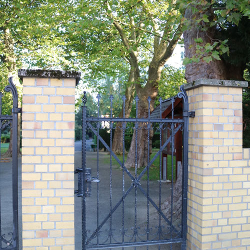Eingangstor-Borsdorf1
