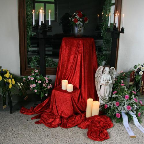 weltliche-Trauerhalle-innen_1